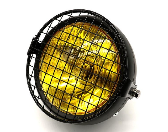 https://vintage-racers.fr/wp-content/uploads/2018/06/Motorcycle-12V-Black-Metal-Retro-Halogen-Front-Headlight-Fits-For-CG125-GN125-Cafe-Racer-Bobber-Custom.jpg_640x640.jpg